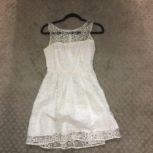 5/48 White Dress
